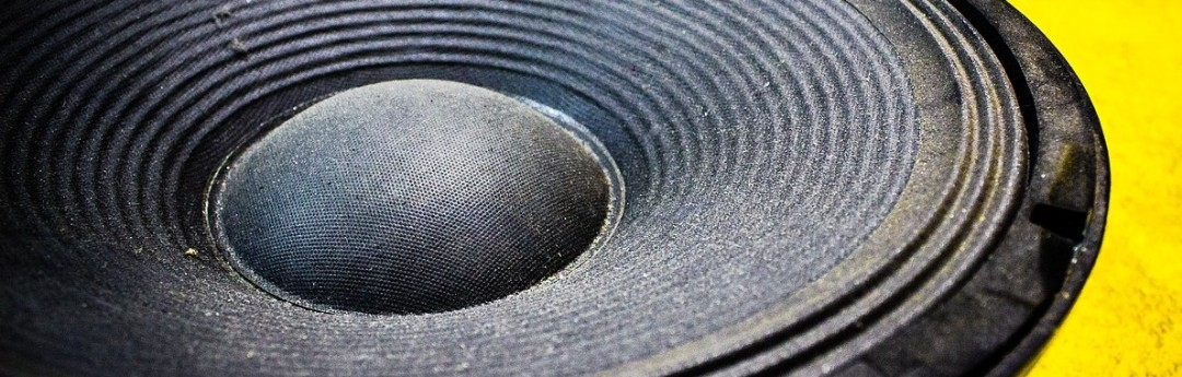 Picture of loudspeaker. Image by Chris Sansbury from Pixabay
